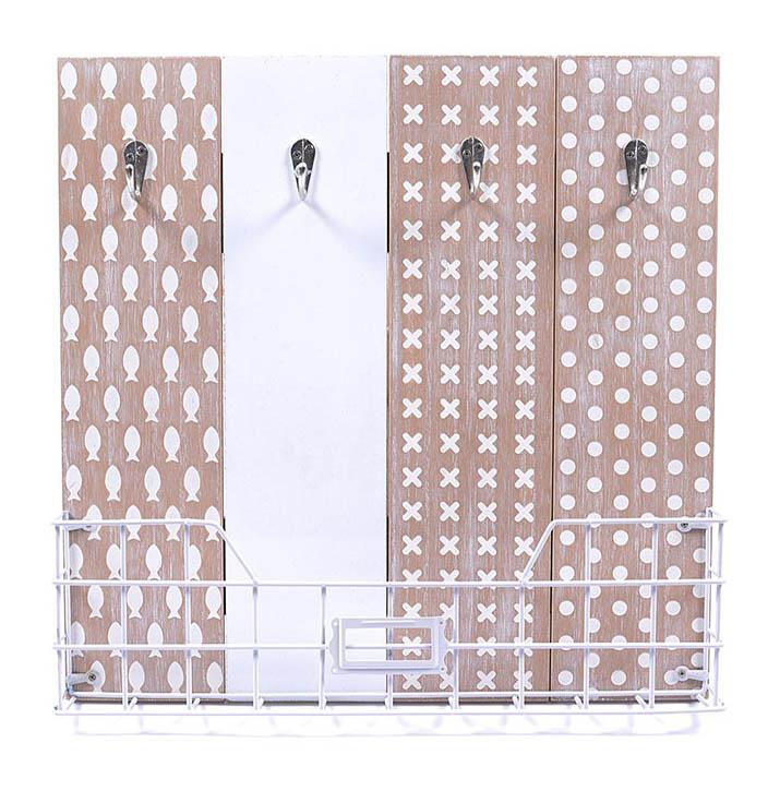 Dekoracija WOODEN SILHOUETTE WITH BASKET CM 36,5X36,5X5