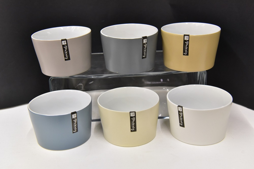 Porcelanska činija: CIOTOLINA COLORS DIAM 11XH7,5CM ASSORTED COLORS