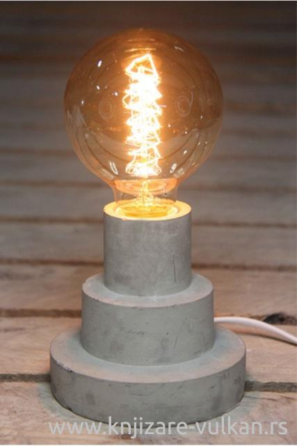 Betonska stona lampa TOTAL JUGGLING